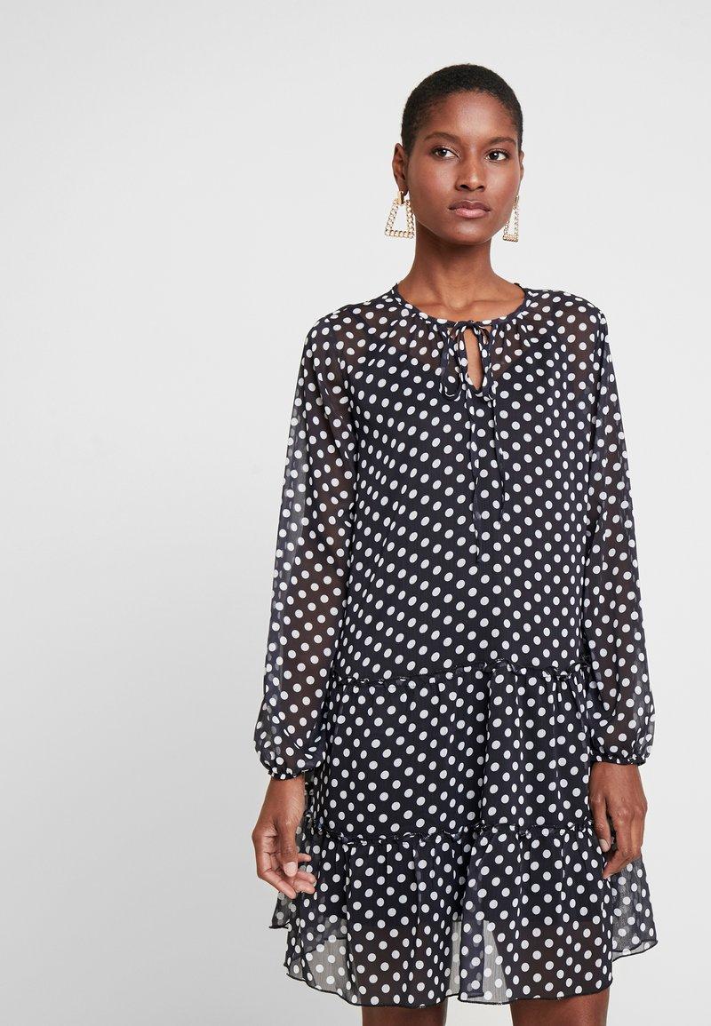 Trendyol - SIYAH - Korte jurk - black