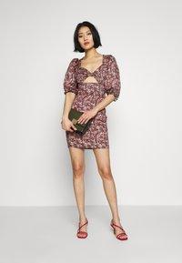 Trendyol - RENKLI - Pouzdrové šaty - multi color - 2