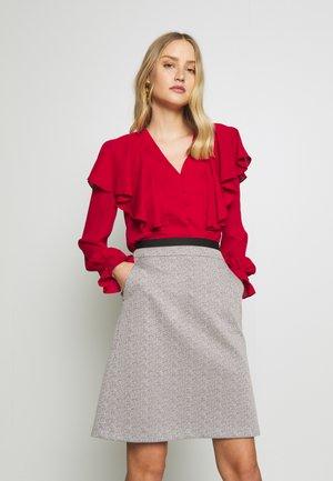 Blusa - burgundy
