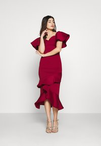 True Violet Petite - BARDOT MIDI DRESS - Cocktailkjole - burgundy - 1