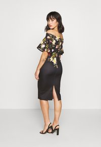 True Violet Petite - BARDOT PRINTED MIDI DRESS - Shift dress - black - 2