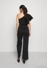 True Violet Petite - ONE SHOULDER FRILL - Jumpsuit - black - 2