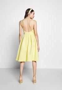 True Violet Petite - GATHERED WAIST SKATER MIDI DRESS - Cocktail dress / Party dress - lemon yellow - 2