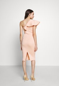 True Violet Petite - ONE SHOULDER FRILL PENCIL MIDI DRESS - Cocktailkjole - peach - 2
