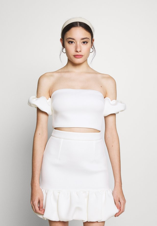 MINIPUFF SLEEVE CROP PETITE - Top - white
