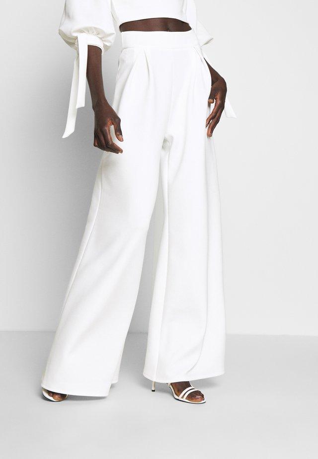 HIGH WAIST WIDE LEG TROUSERS - Trousers - white