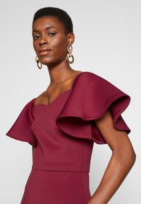 True Violet Tall - BARDOT MIDI DRESS - Cocktailjurk - dark red - 4