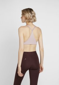 triaction by Triumph - FREE MOTION - Sports bra - dusted rose - 2