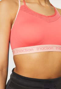 triaction by Triumph - TRIACTION BALANCE - Sport BH - pink - 4