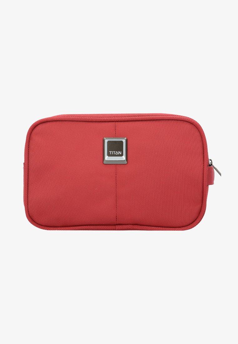 Titan - Wash bag - red