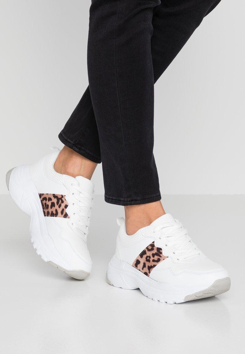 Tata Italia - Sneaker low - white/brown