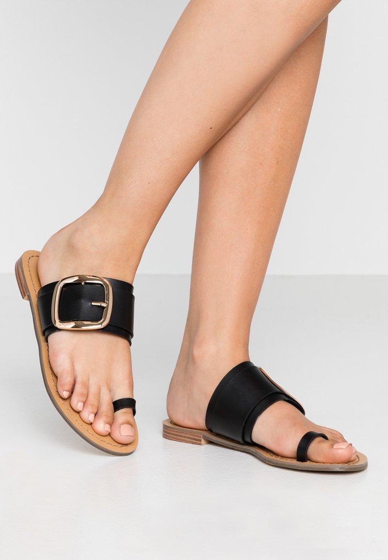 Tata Italia - Sandály s odděleným palcem - black