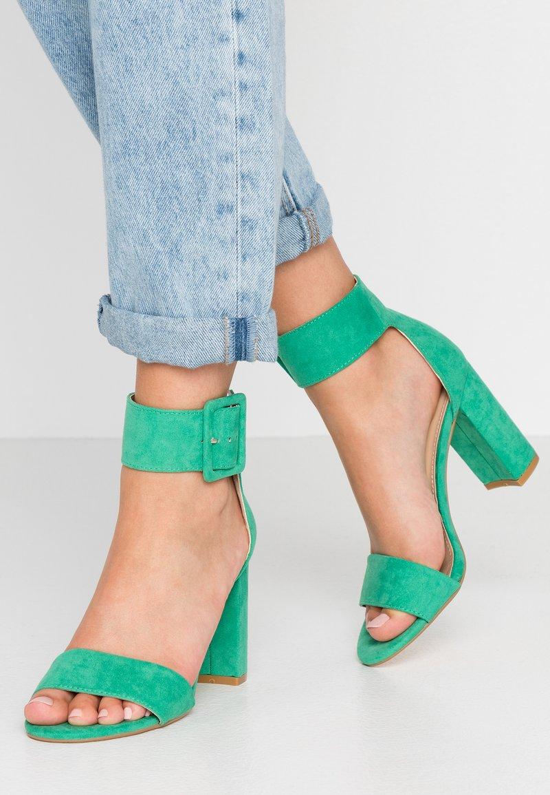 Tata Italia - Højhælede sandaletter / Højhælede sandaler - green