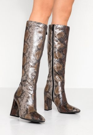High Heel Stiefel - brown