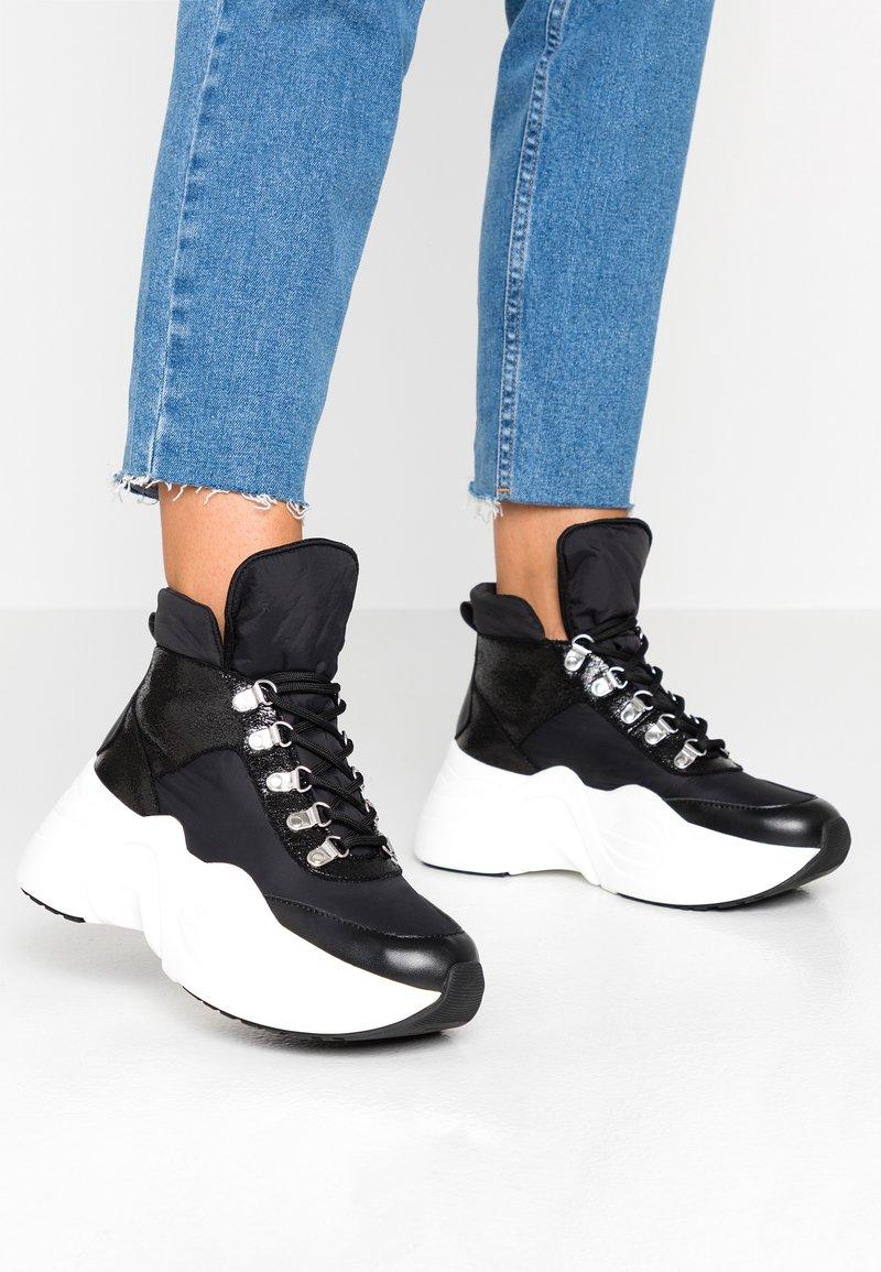 Tata Italia - Höga sneakers - black