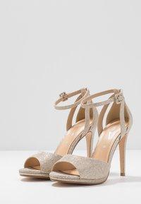 Tata Italia - Korolliset sandaalit - light gold - 4