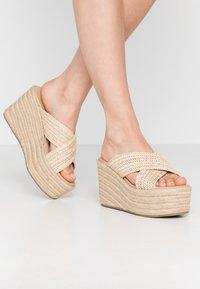 Tata Italia - Pantofle na podpatku - beige - 0
