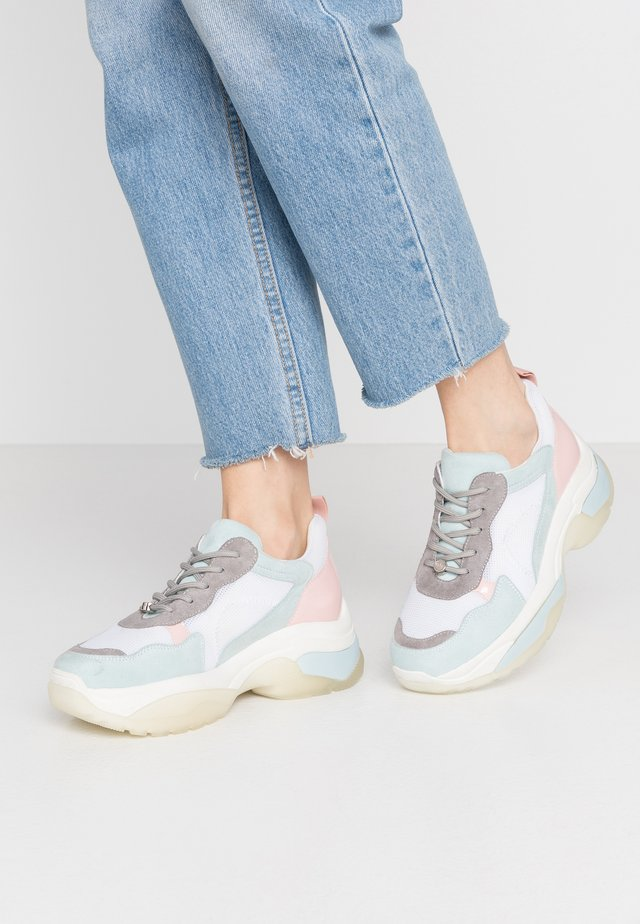 Sneaker low - light blue