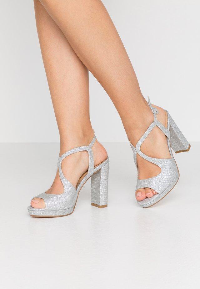 Højhælede sandaletter / Højhælede sandaler - silver