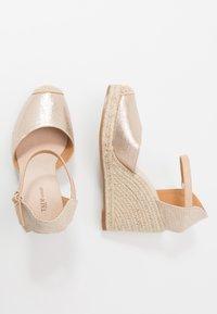 Tata Italia - Sandalen met hoge hak - gold - 3