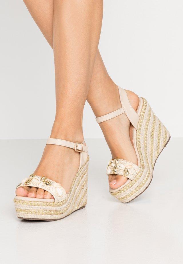 Højhælede sandaletter / Højhælede sandaler - beige
