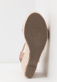 Tata Italia - Korolliset sandaalit - rosegold - 6