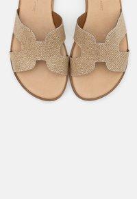 Tata Italia - Pantofle - glitter platino - 5