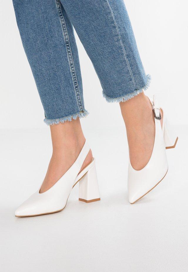 Lodičky na vysokém podpatku - white