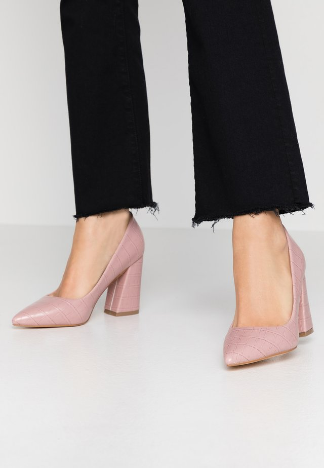 High Heel Pumps - pink