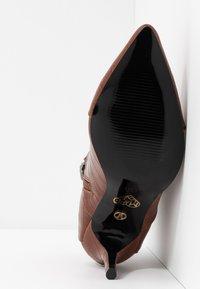 Tata Italia - Ankelboots - brown - 6