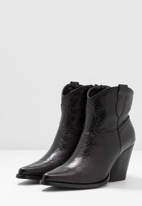 Tata Italia - Kotníková obuv - black - 4