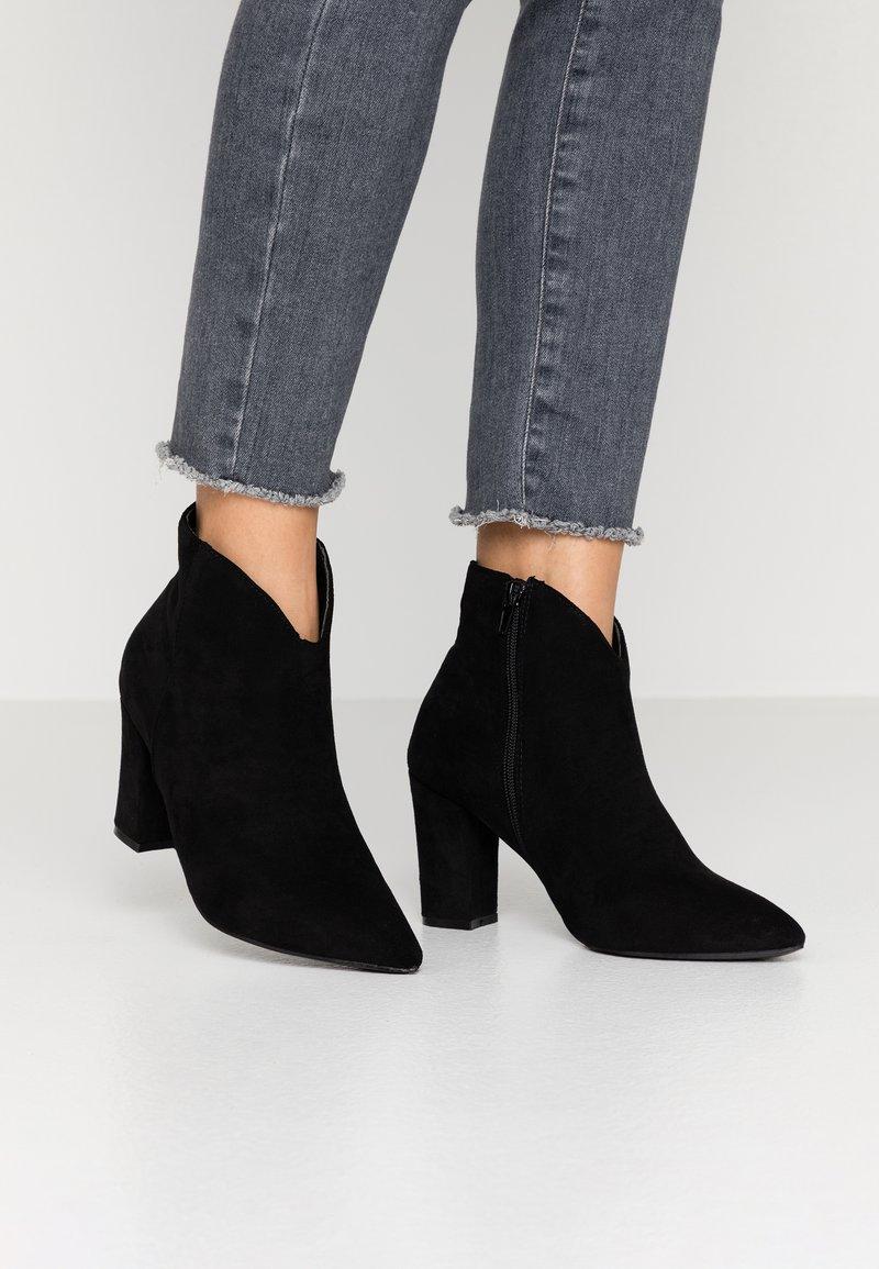 Tata Italia - Kotníková obuv - black