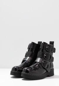 Tata Italia - Kotníkové boty - black - 4