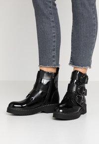 Tata Italia - Kotníkové boty - black - 0