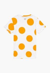Tumble 'n dry - LIDA - T-shirt print - paper white - 1