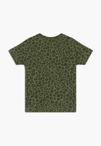 Tumble 'n dry - THIGO - Print T-shirt - vineyard green - 1