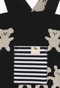 Turtledove - BESTIES SHORTIE DUNGAREES BABY - Tuinbroek - black/white - 3