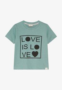 Turtledove - LOVE IS LOVE - Triko spotiskem - green - 2