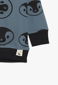 Turtledove - PENGUIN BABY - Bluza - denim - 3