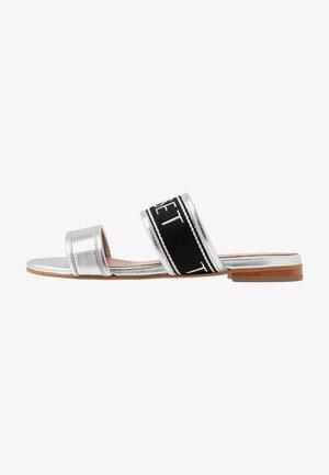 Sandaler - argento laminato