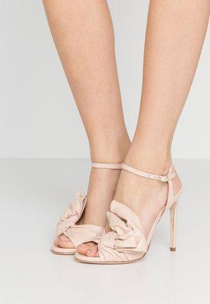 High heeled sandals - bocciolo