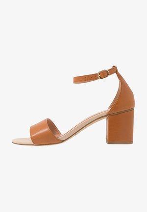 EXCLUSIVE  - Sandals - tan