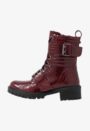 Kovbojské/motorkářské boty - dark red