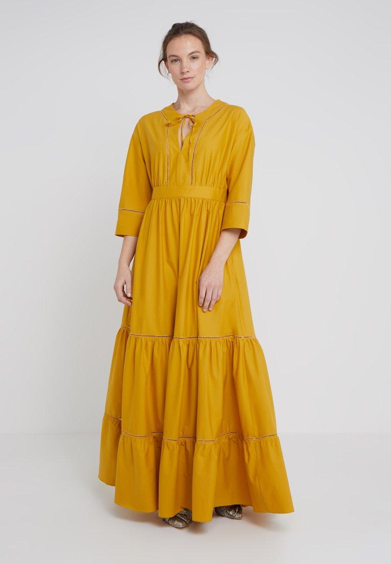 TWINSET - LUNGO IN POPELINE CON DETTAGLI AJOUR - Maxi dress - honey gold