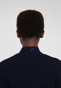 TWINSET - Pletené šaty - mid blu - 4