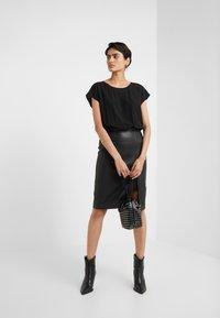 TWINSET - ABITO  - Shift dress - nero - 1