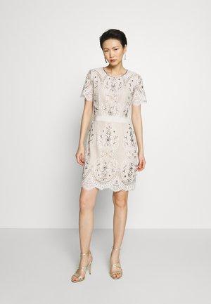 ABITO IN PIZZO MOULINE RICAMATO - Vestito elegante - avorio