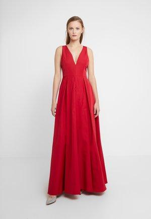 Společenské šaty - rosso veneziano