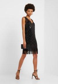 TWINSET - Vestito elegante - nero - 1