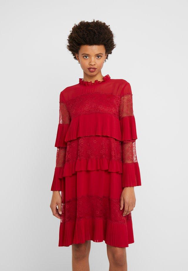 Koktejlové šaty/ šaty na párty - rosso veneziano